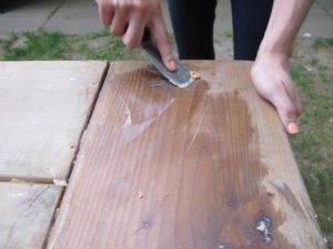Вощение древесины воском