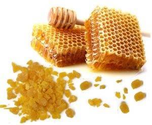 Запах у пчелиного воска приятный