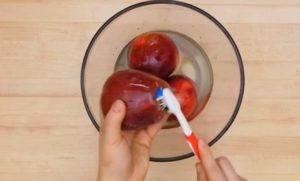 Воск на яблоках