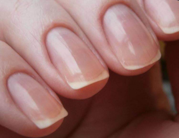 Полировка ногтей воском_