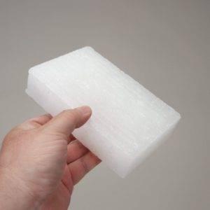Парафин – смесь твердых углеводородов предельного метанового ряда, образующая воскоподобное вещество белого цвета и кристаллического строения