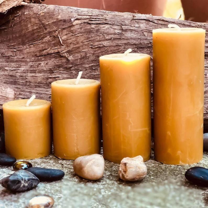 Натуральная восковая свеча