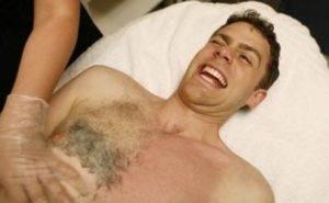Волосы на животе у мужчин