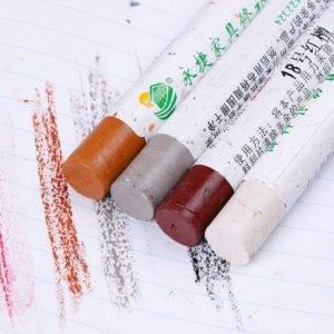 Восковой карандаш на обоях