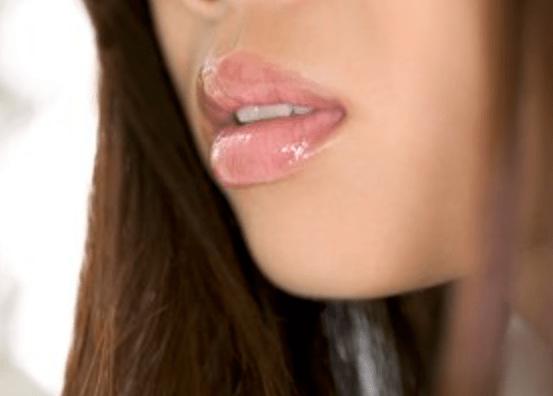 Как избавиться от волос в уголках рта