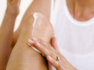мазать колени кремом