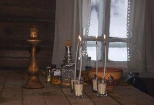 Очистить квартиру свечой и святой водой