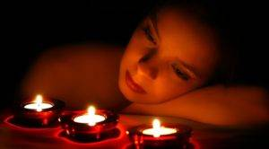 Смотреть на свечу