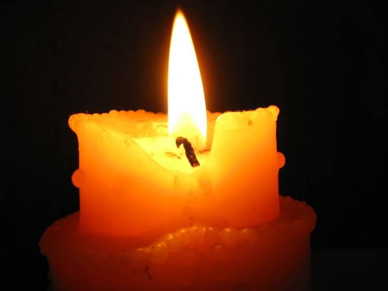 треск свечи