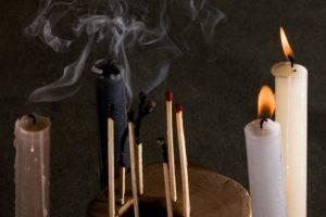 Черный дым от свечи