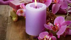 Зажигая розовую свечу