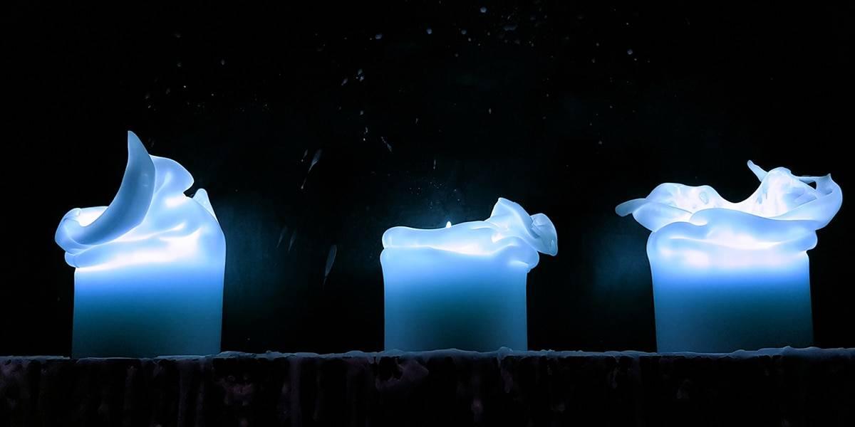 свеча голубого цвета