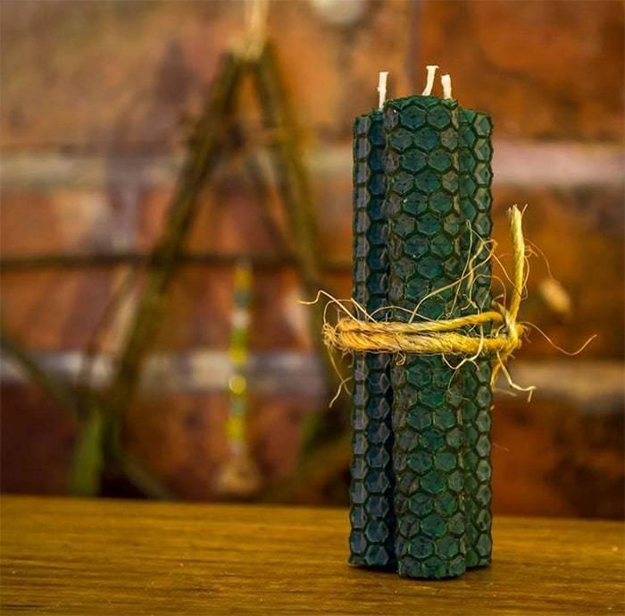 зеленая свеча фото