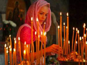 Свечи в церкви за семью
