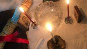 Белый приворот на парня на свечу читать