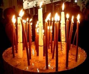 а церковных свечей