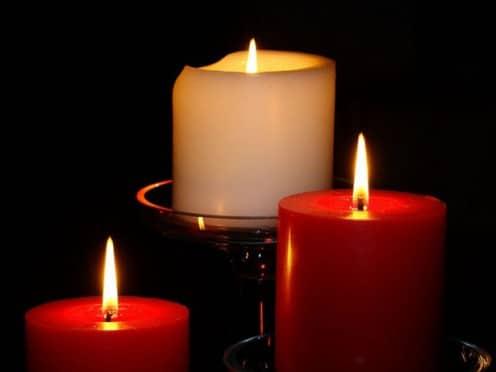 Гадание на красных свечах