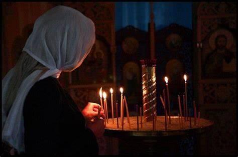 Свечи в церкви ставить