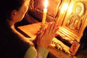 Можно ли ставить свечи за здравие дома