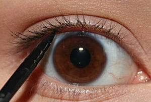 Восковые карандаши для для межресничного пространства глаз